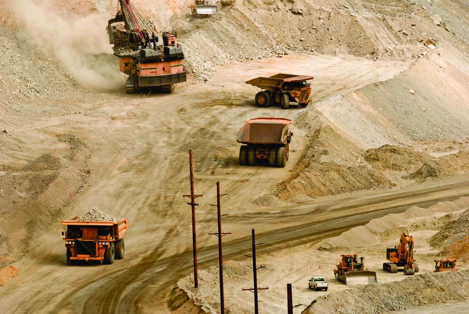 Miners drag on FTSE 100