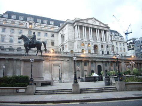 UK avoids recession but could signs of trouble ahead lead to a rate cut? featured picture