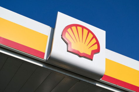 Oil price falls drag on Royal Dutch Shell featured picture
