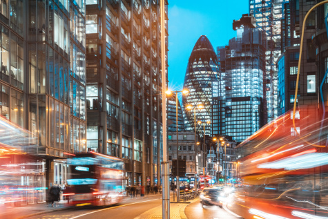FTSE makes little headway as investors weigh risks featured picture